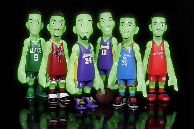 mindstyle-nba-glow-in-the-dark-collectible-set-for-bait-1-620x412