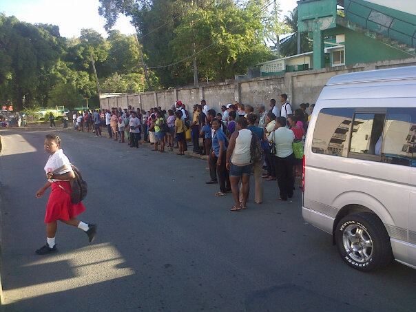 Commuters stranded? Police conductiing random searches on highway (St Lucia News)