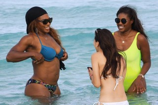 Serena Williams showoffs her Amazing body in a Bikini at the Beach | Photos