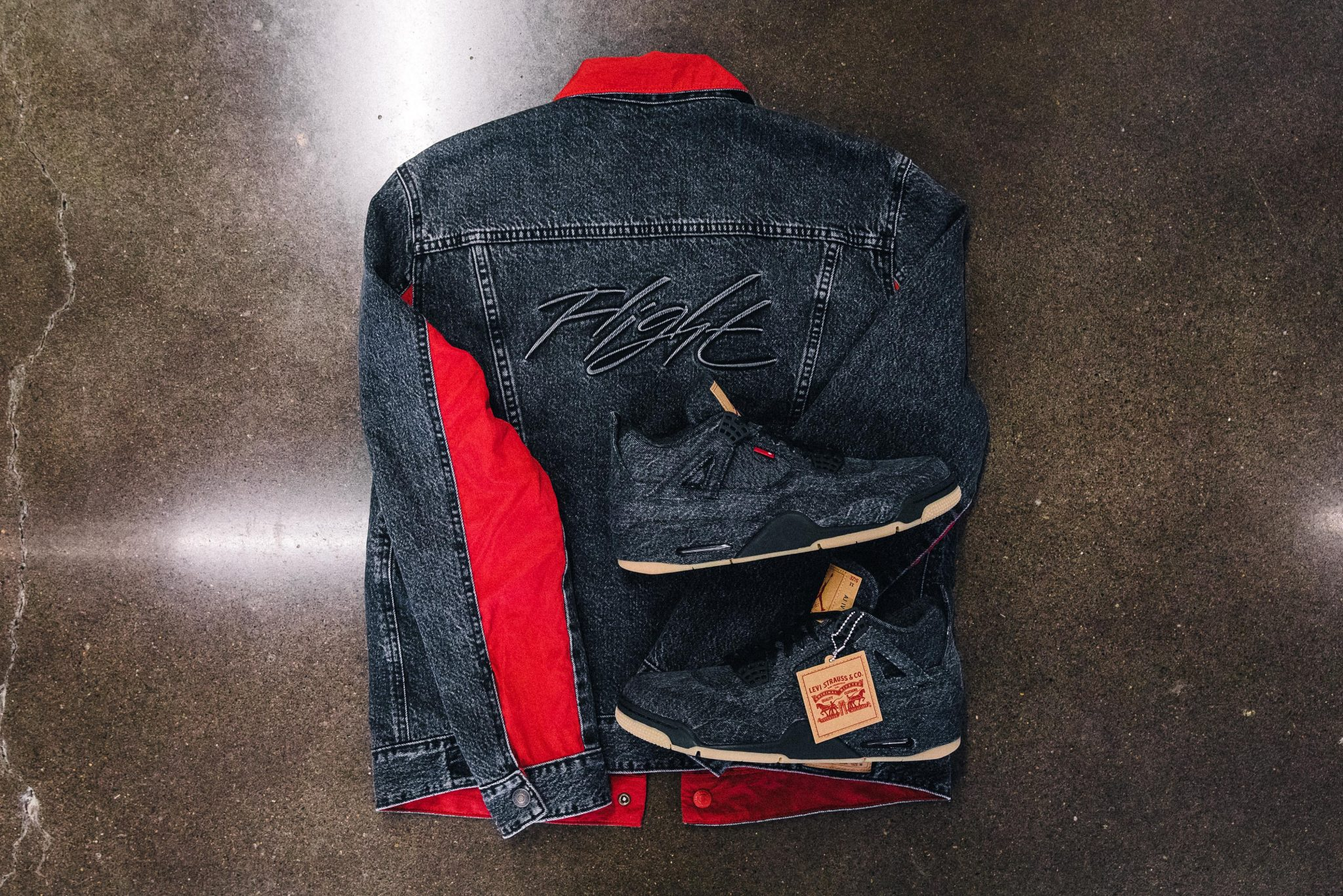 f51e0fc2c0f49d THE JORDAN BRAND X LEVI S® AIR JORDAN IV AND REVERSIBLE TRUCKER JACKET IN WHITE  AND BLACK